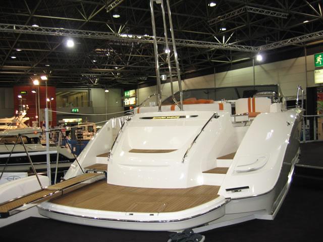 Yachtreinigung Und Yachtpflege Unger Dienstleistungen